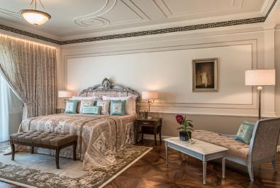Versace Hotel & Condominiums – Enshaa